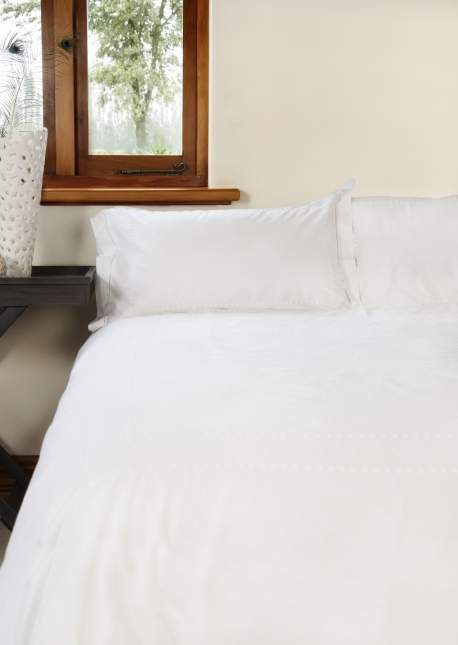 White Dot Duvet
